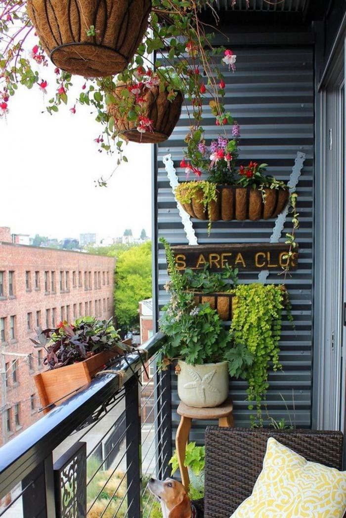 Tiny Garden #balconygarden #decorhomeideas