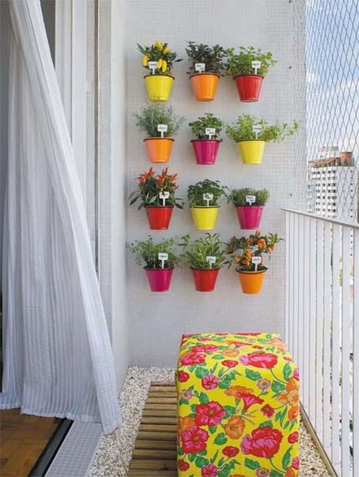 Tiny space, Big color #balconygarden #decorhomeideas