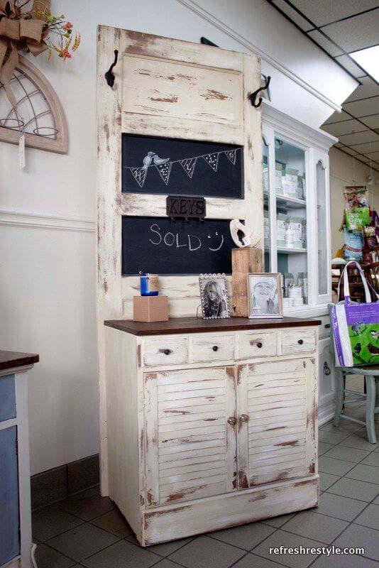 Dry Sink and Tiwn Panel Chalkboard Combo #repurpose #olddoors #decorhomeideas