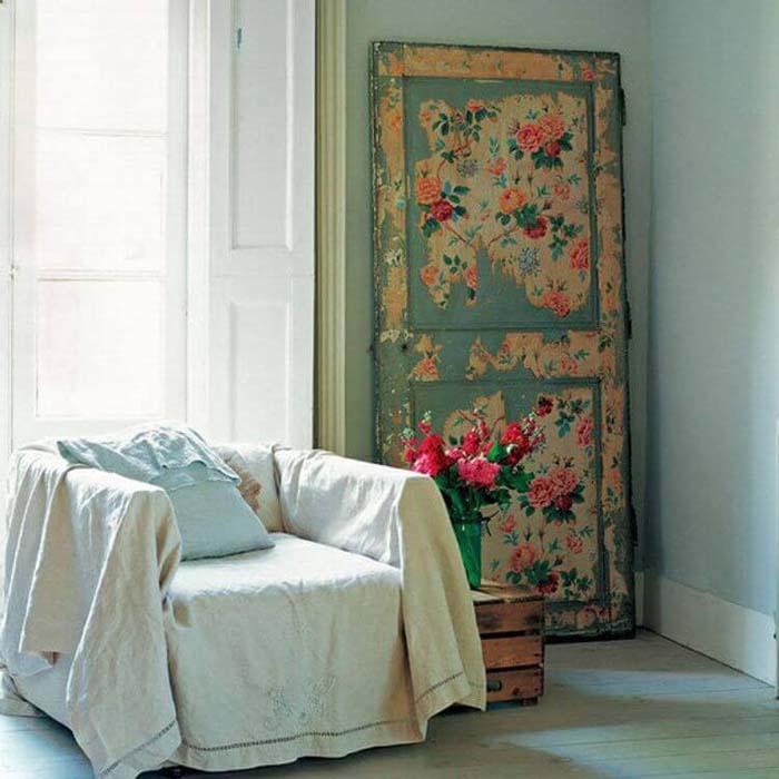 Fading Layers Decoupaged Statement Door #repurpose #olddoors #decorhomeideas