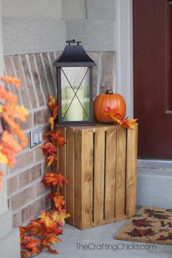 12. Fall Crate with Lantern and Pumpkins #rusticfall #decorhomeideas