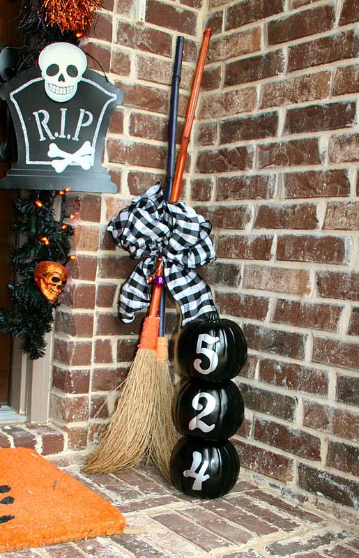 13. Fancy Witches Only Please #frontporch #halloween #decorhomeideas