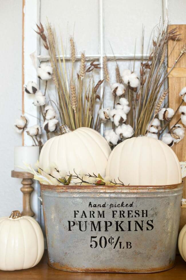 20. Harvest Bouquets in a Rustic Pail #rusticfall #decorhomeideas