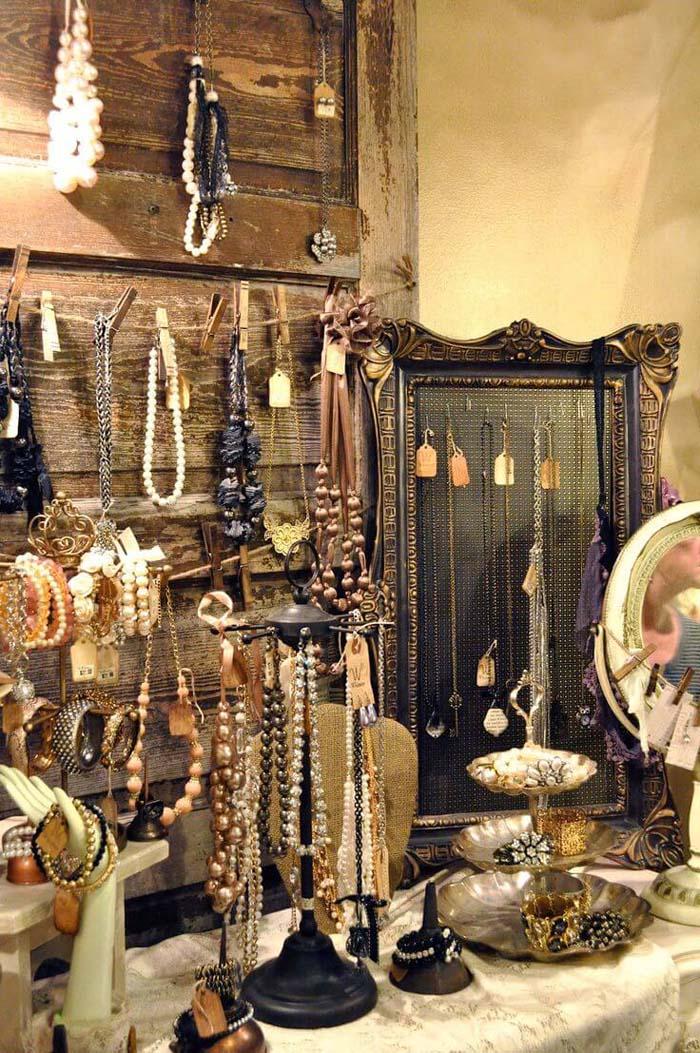 Shabby Chic Barn Door Jewelry Stand #repurpose #olddoors #decorhomeideas
