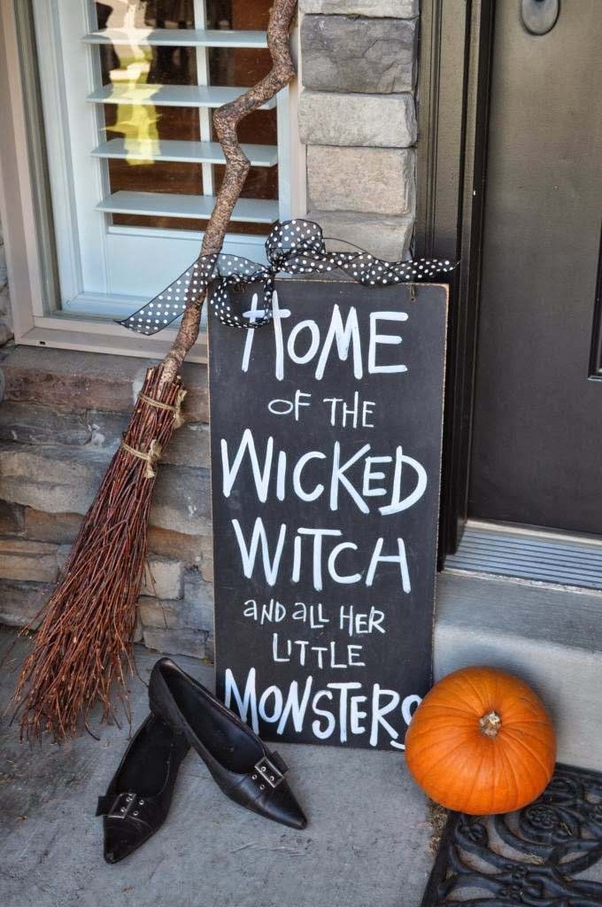 59. The Wicked Witch Is Home #frontporch #halloween #decorhomeideas
