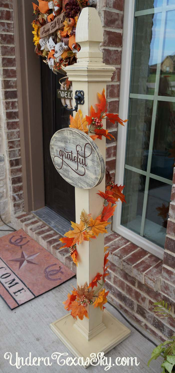 68. You Can Never be Too Grateful Sign Post #frontporch #halloween #decorhomeideas