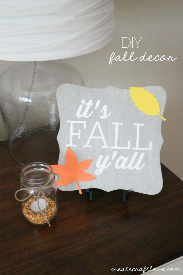 13. Quirky Side Table #thanksgiving #sign #decorhomeideas