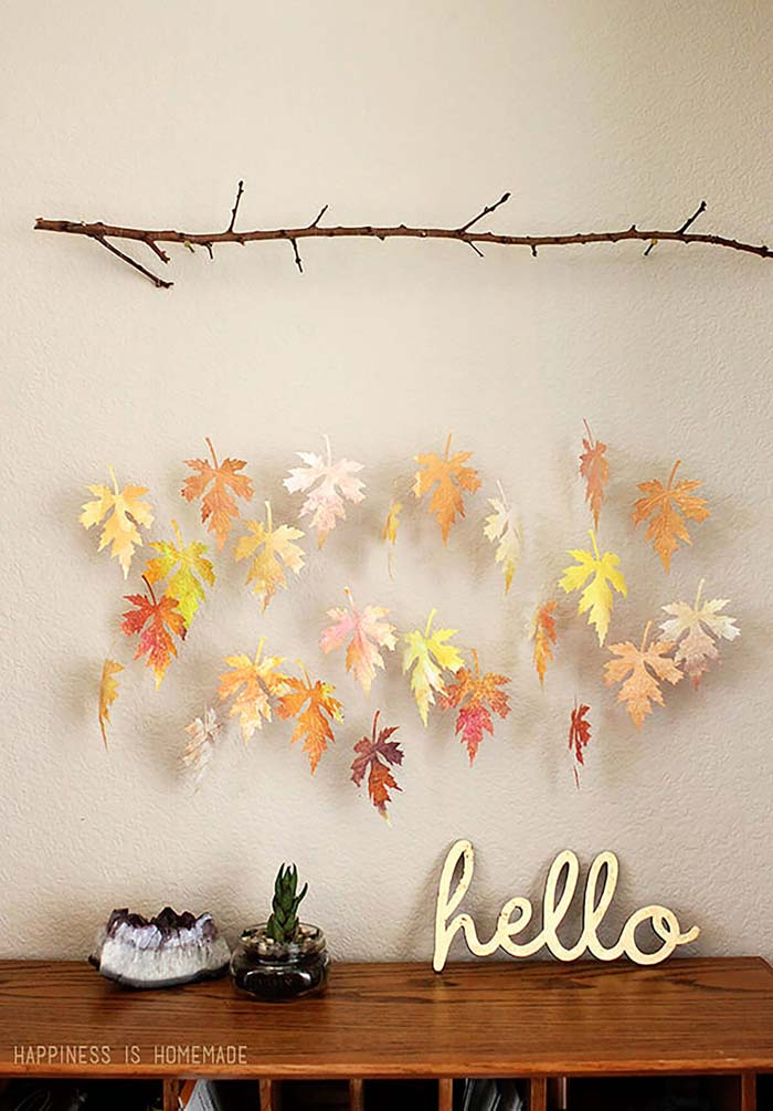27. Wall-Hanging Rustic Falling Leaves Mobile #fall #leaf #crafts #decorhomeideas